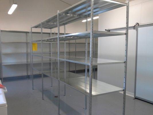 Scaffalature a ripiani in acciaio scaffali per ufficio for Scaffali per ufficio acciaio